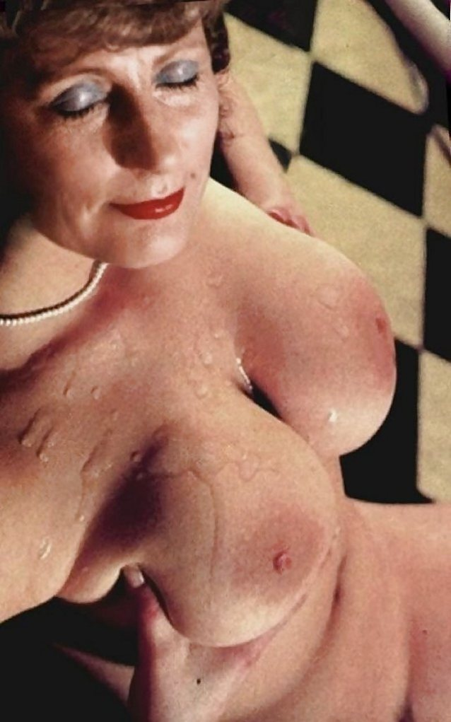 Busty Mature Got Her Tits Covered In Cum - Moyra Melons -9623