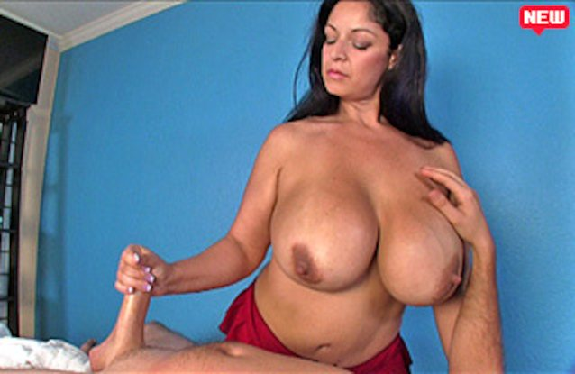 Solo naked amateur milf pic