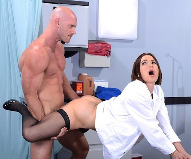 Pakistani porn pics sexy lady doctor ne hospital me chudai