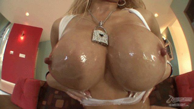 Big jiggly bouncy tits