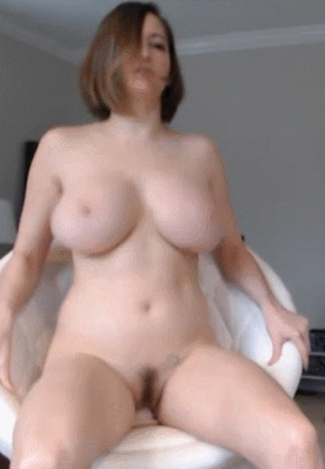 Hot nude matures bouncing — img 12