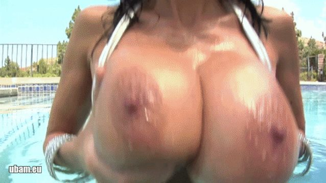 Bounce pics gallery on tits