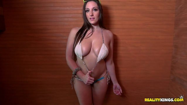 Whats the name of this pornstar?