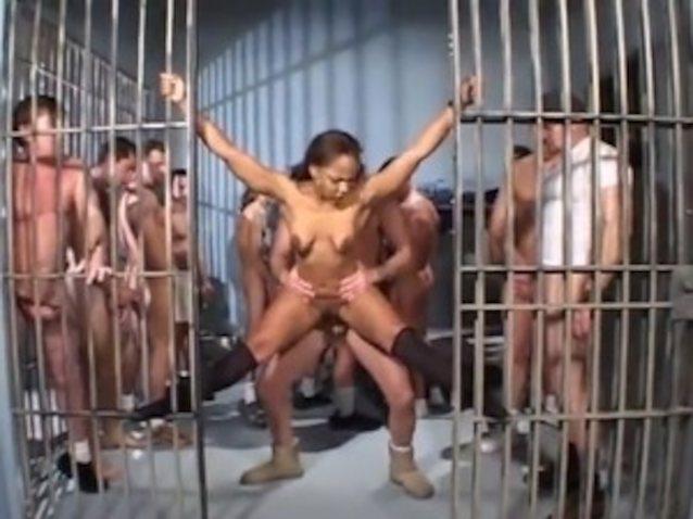 Старые порно тюрьма 9