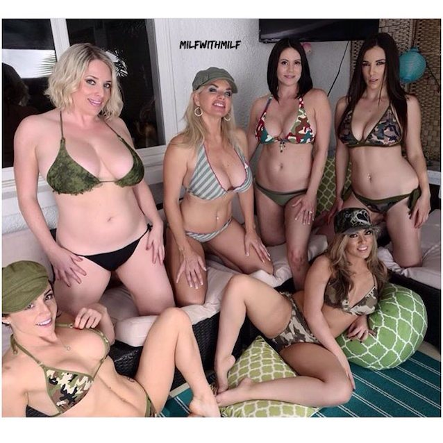 Group of pornstars hookup for an orgy at their annual porn convention  159625