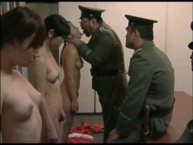 порно про пленниц смотреть весы отчаянно
