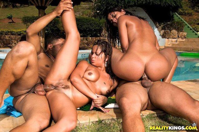 Порно Группа Бразильских Девушек