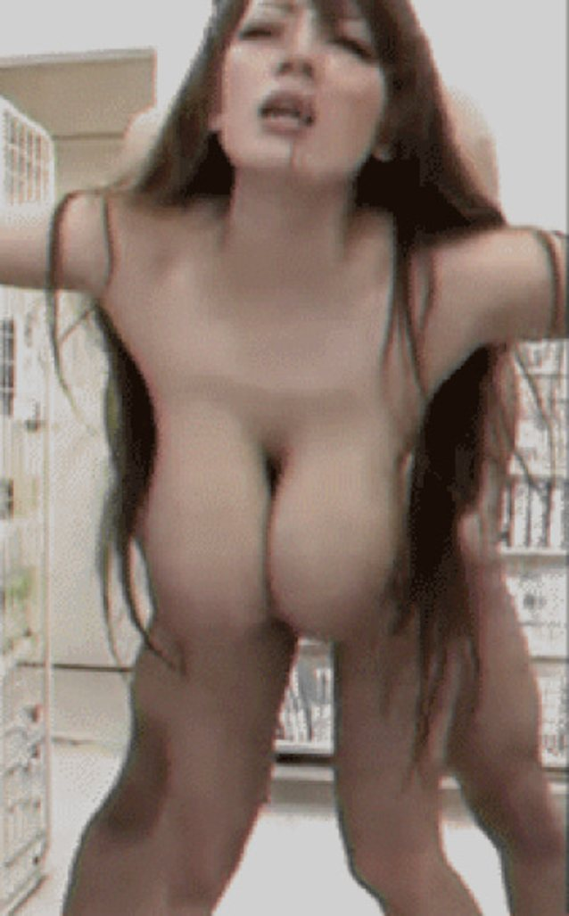 Sexy nude skinny women with boobs gifs — pic 8