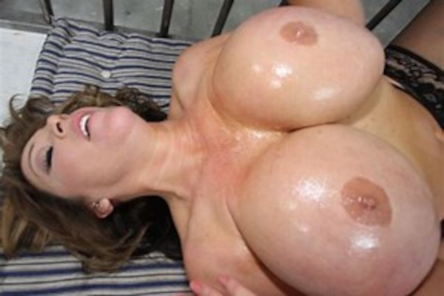 Katie Kox Titfuck Porn Sex Pics In High Quality