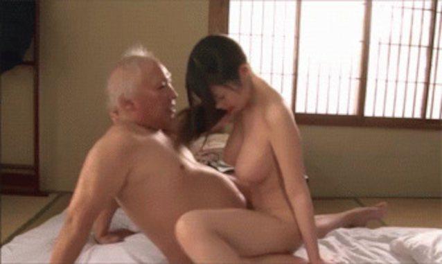 Naked korean girls sucking pussy