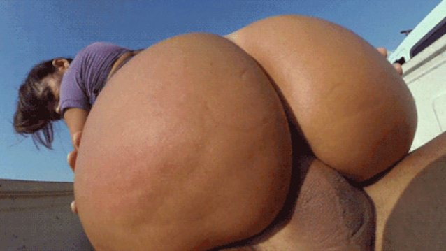 Voracious Diva Tits And Ass In Nude Scenes