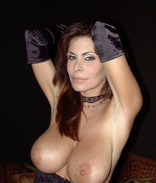 beautiful big breasted milfs