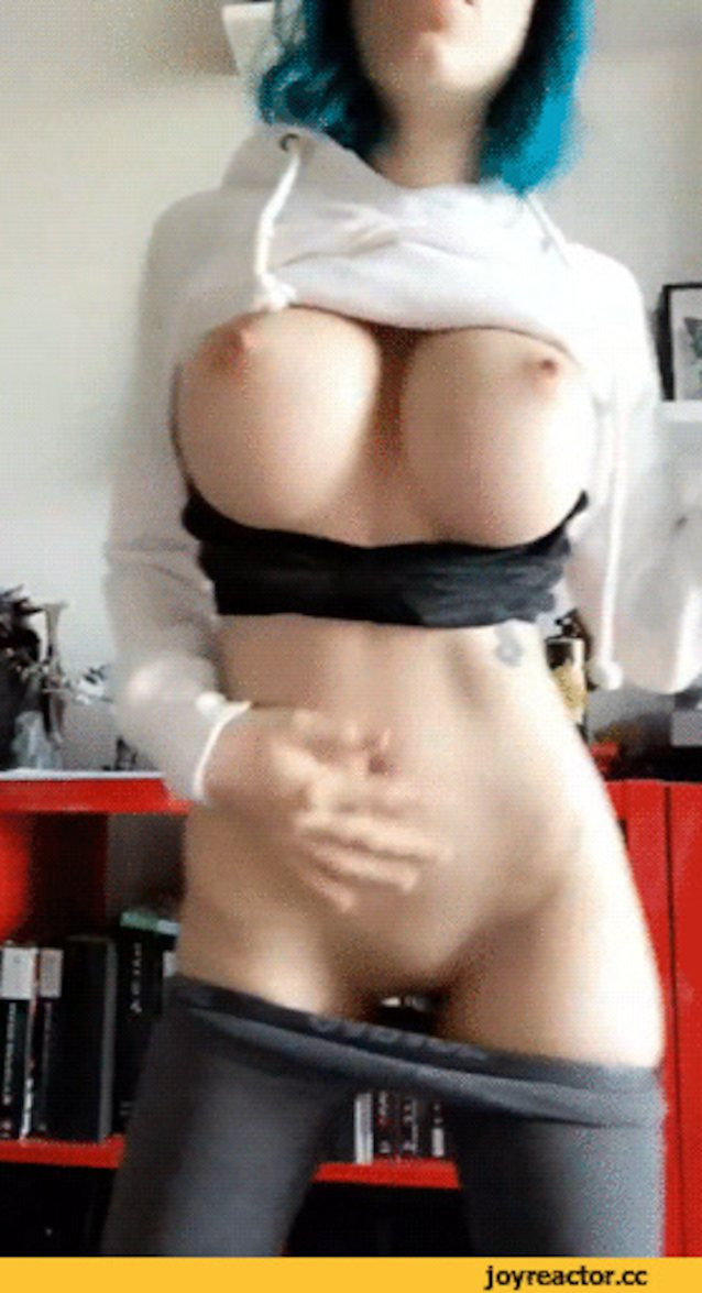 Hot emo boobs gif
